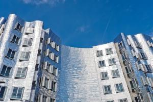 Rynki deweloperskie, czy warto kupować nowe mieszkanie?